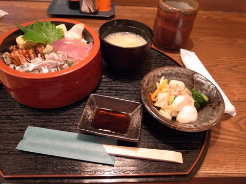 三色丼1.jpg